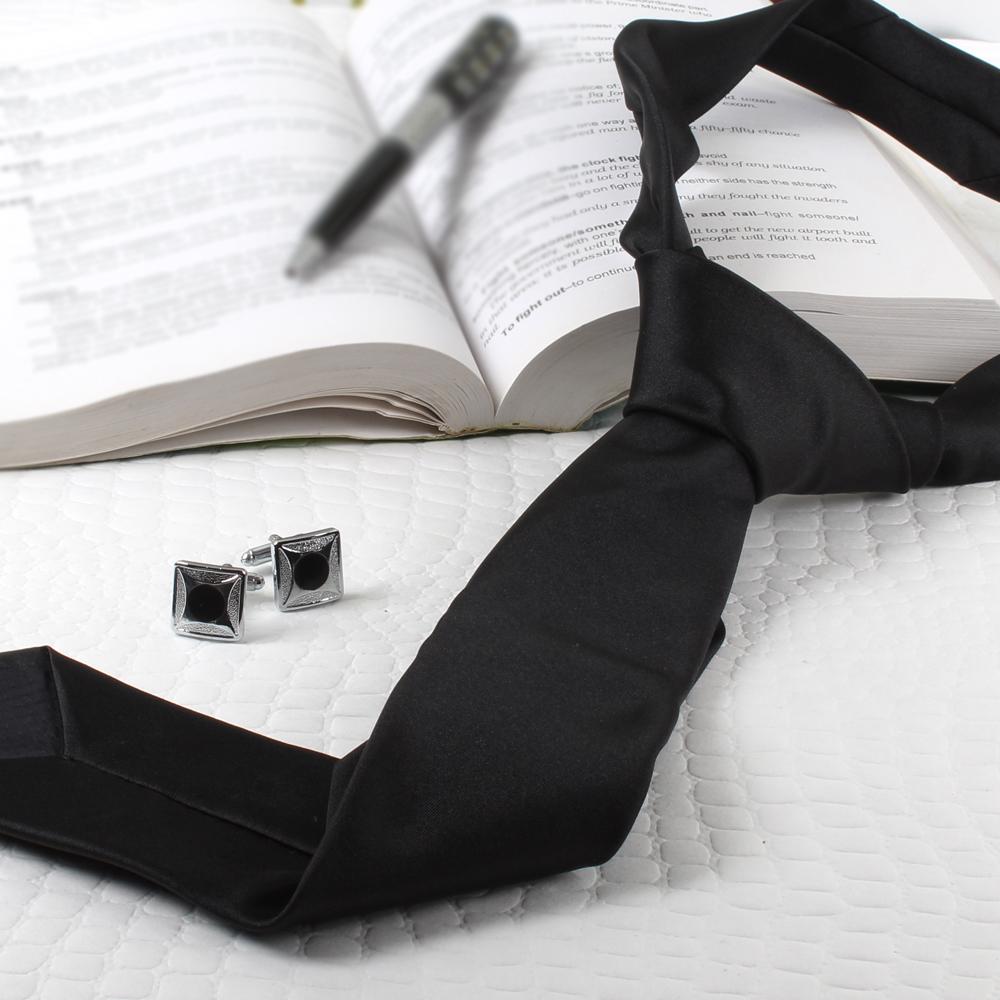 Black Modest Tie with Cufflinks