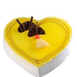 1.5 Kg Heart Shape Pineapple Cake