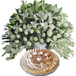 1 Kg Sweets with Exotic Arrangement