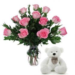 12 Attractive Roses with Teddy
