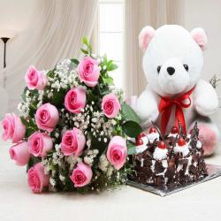 Alluring Combo of Teddy Bear with Cake and Roses Bouquet