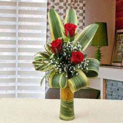 Amazing Three Red Roses in Vase