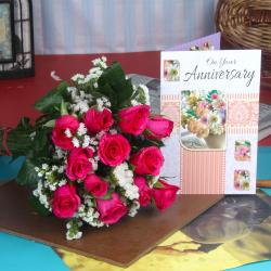 Anniversary Fresh Red Roses Hand Bunch with Greeting Card