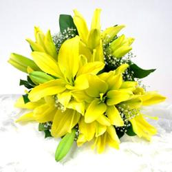 Bouquet of 10 yellow Lilies