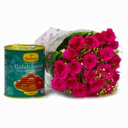 Bouquet of 20 Pink Roses with Mouthmelting Gulab Jamuns