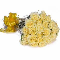 Bouquet of 23 Yellow Carnations with Cellophane Packing