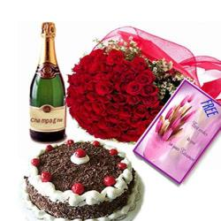 Champagne Roses Hamper with Cake and Card