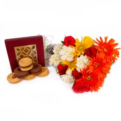 Combo of Fresh Seasonal Flowers with Assorted Cookies