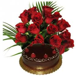Eggless Chocolate Cake with Red Roses Bouquet For Valentines Day