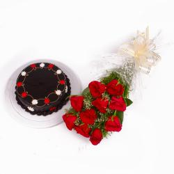 Eggless Chocolate Cake with Romantic Red Roses Combo