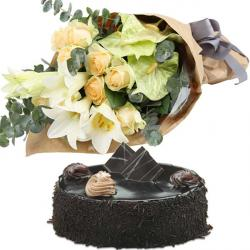 Elegant Flowers With Dark Chocolate Cake