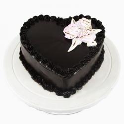 Heart shape Chocolate Cake Online