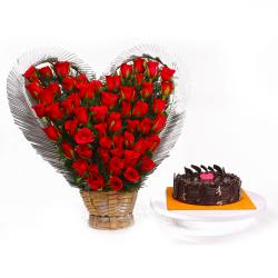 Heart Shaped arranged of Red Roses with Chocolate Cake