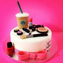MakeUp Designer Fondant Cake