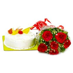 Pineapple Cake with Red Roses Bunch
