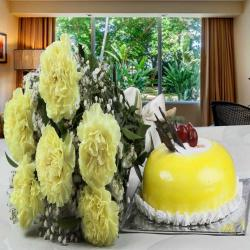 Pineapple Cake with Yellow Carnations Bouquet