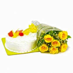 Pineapple Cake with Yellow Roses Bunch