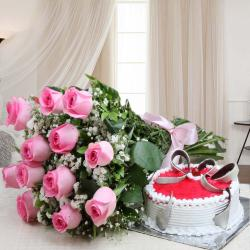Pink Roses Bouquet with Strawberry Cake