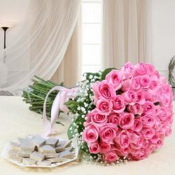 Pink Roses Hand Bouquet with Kaju Katli
