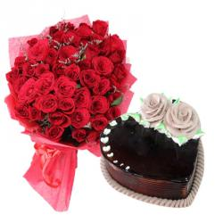 Romantic Roses with Eggless Heart Shape Cake For Love
