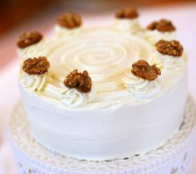 Round Shape Walnut Cake