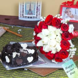 Twin Color Roses Bouquet with Heartshape Chocolate Cake
