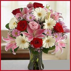 Vase Arrangement Of 20 Mix Flowers