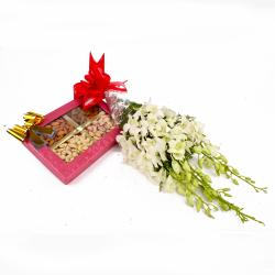White Orchids with 500 Gms Assorted Dryfruits