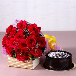 Yummy Chocolate Cake with Bouquet of 20 Red Roses