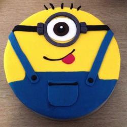 Minion Cartoon Cake