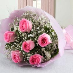 Pretty Six Pink Roses Bouquet for Hospet