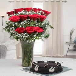 Round Shape Chocolate Cake with Red Roses Arrangement for Bhopal